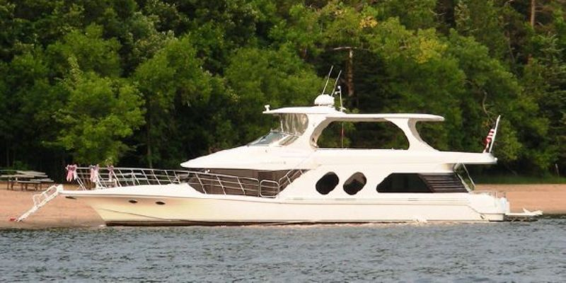 58′ Bluewater Yachts 5800