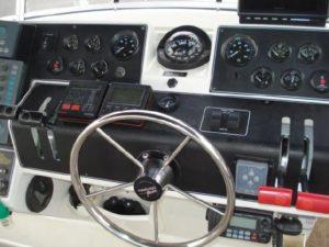 35 Carver 355 Aft Cabin 8