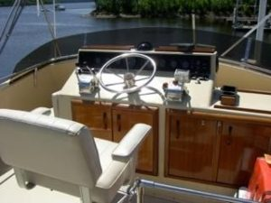 41 Chris-Craft 410 Commander Yacht 11