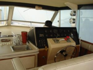 41 Chris-Craft 410 Commander Yacht 36