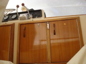 41 Chris-Craft 410 Commander Yacht 40