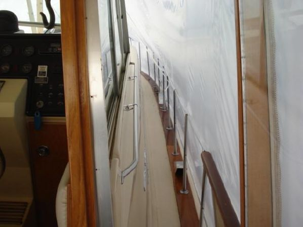 41′ Chris-Craft 410 Commander Yacht – Yacht Brokers, Inc