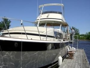 41 Chris-Craft 410 Commander Yacht 6