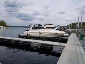 31' Rinker FIESTA VEE 310 at Yachtbrokers Inc. Afton, MN