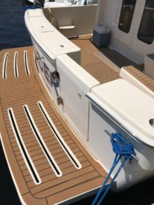 34-Mainship-trawler-8